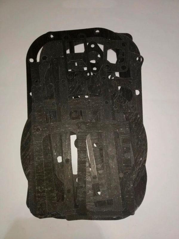 Комплект прокладок 4ВУ1-5/9 полный (корпусные + холод.+фланцы) (паронит)